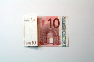 Anleitung Hemd aus 10-Euro-Schein falten Schritt 2