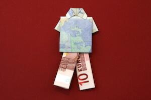 Hose aus Geldschein gefaltet